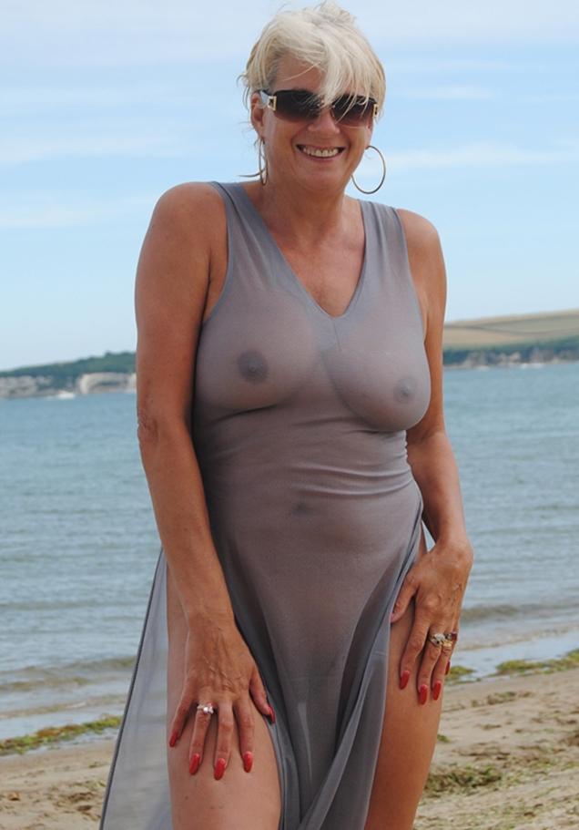 Zum Thema Rubensfrauen verführen bzw. Mama ficken kontakatiere doch Karen.