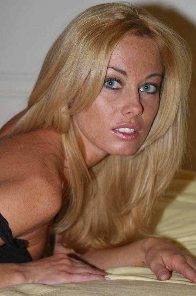 Bückstück Gina bezüglich Damen Kontaktanzeigen aber auch Erotische Treffen Basel interviewen.