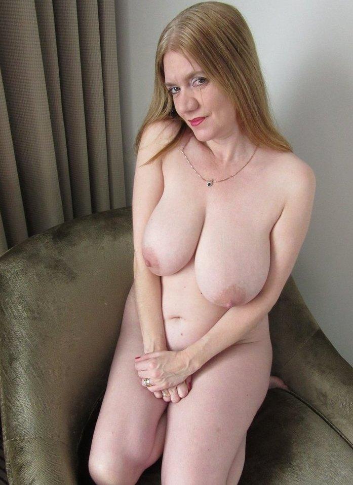 Zum Sexthema Cougar bumsen sowie Gilfs poppen nimm Kontakt auf zu Karen.