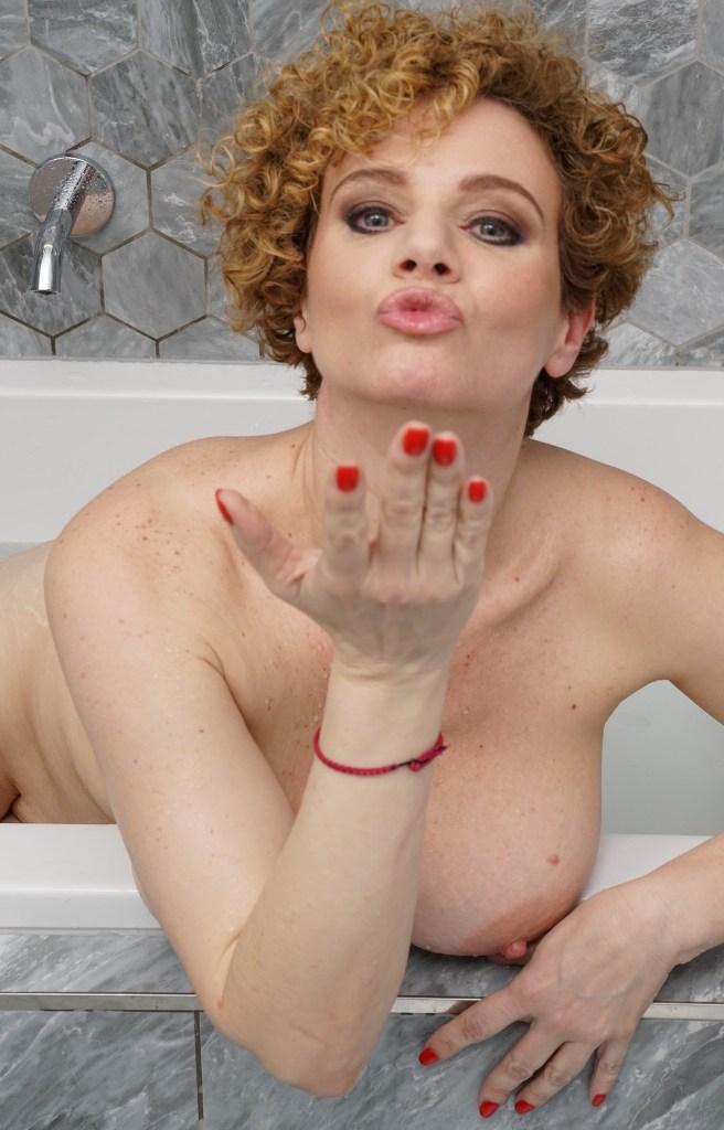 Fickstute Gaby in Bezug auf Ehefrauen kennenlernen und Erotik Kontakt Basel interviewen.