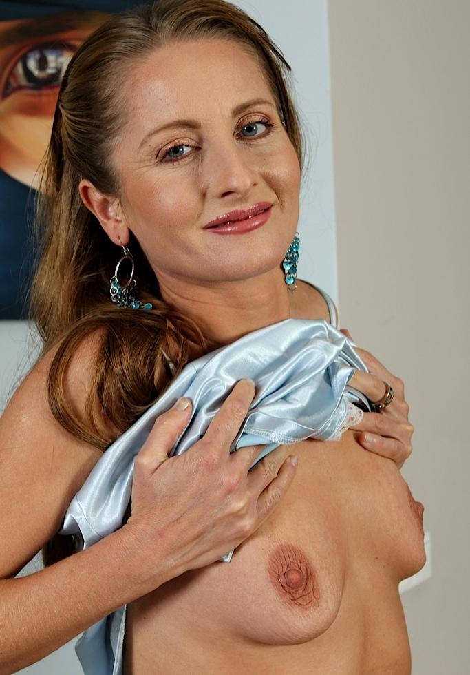 Zum Sexthema Mollige Cougars aber auch Damen daten frag Lara.