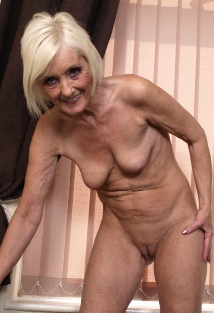 Versaute Cougars, Hemmungslose Hausfrau – Jessica liebt es.