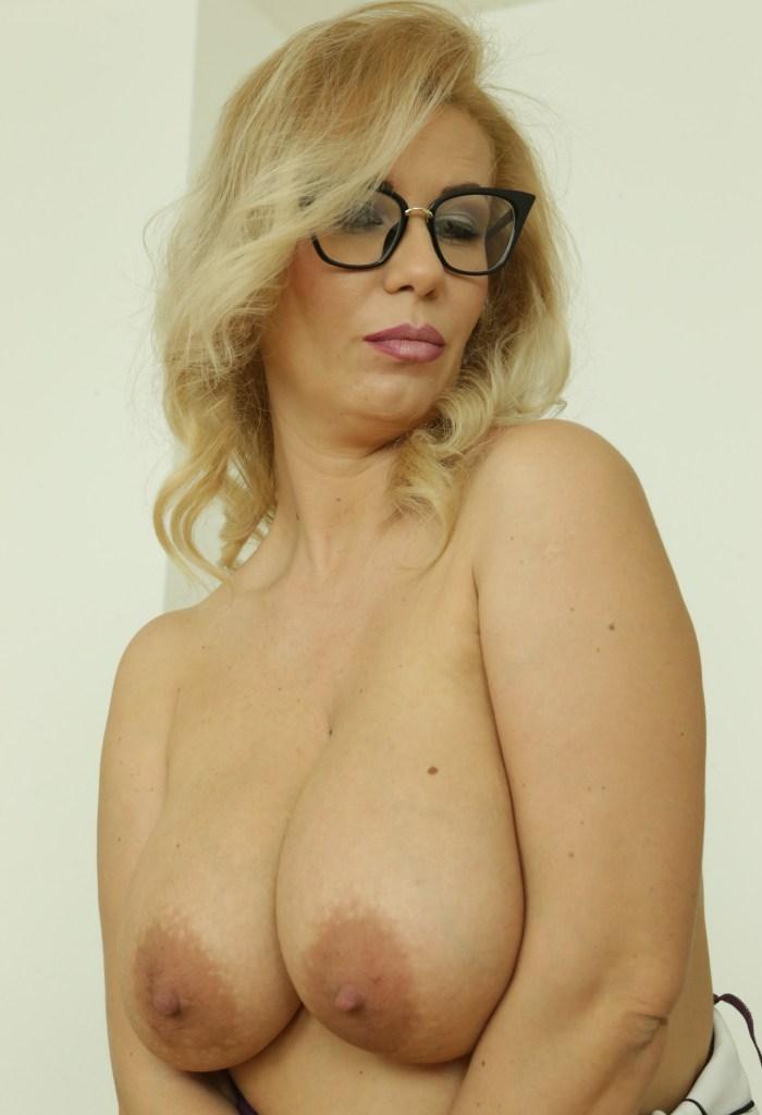 Luder Angelina bezüglich Luder poppen sowie Erotik Treffen Basel fragen.