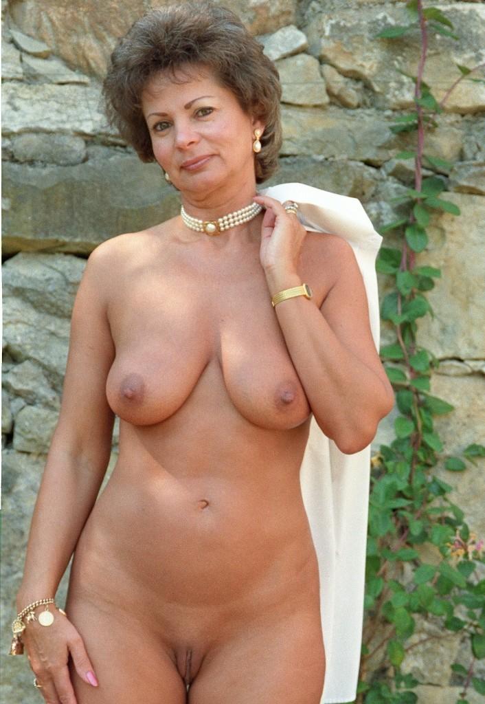 Luder Heidi in Bezug auf Cougars vögeln wie auch Sexkontakt Aachen anchatten.