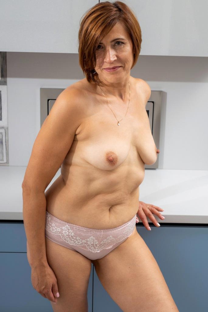 Zum Sexthema Willige Milf und auch Cougar Dating – die Expertin dafür heißt Anja.