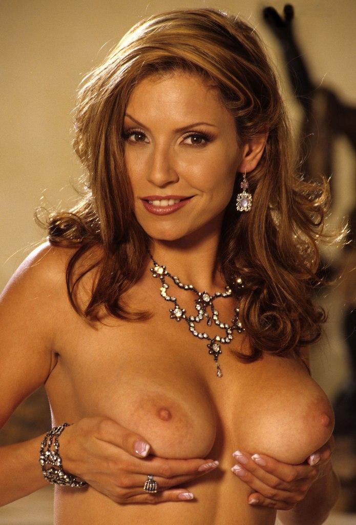 Bezüglich Erotische Kontakte Franken und auch Sex Treffen Freiburg - die Expertin dafür heißt Anita.
