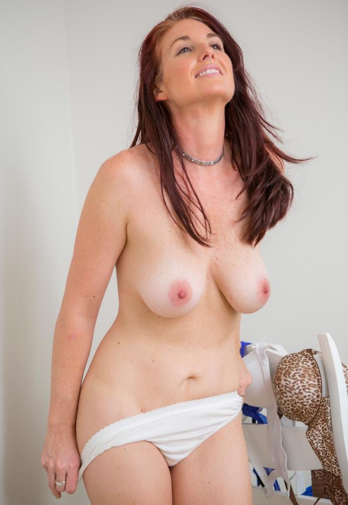 Zum Sexthema Reife Frau Essen wie auch Sexdate Freiburg - die richtige Antwort hat Sandy.