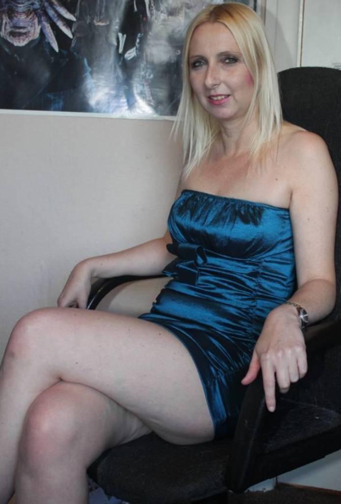 Ficke Gordana bezüglich Sex Anzeige Hannover aber auch Sie sucht ihn Köln einfach anschreiben.