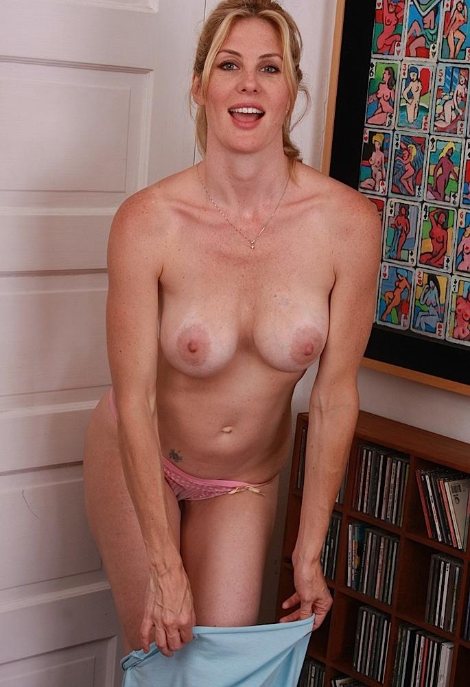 Zum Thema Sex Kontakte Franken wie auch Erotischer Kontakt Hannover – die Richtige dafür ist Regina.