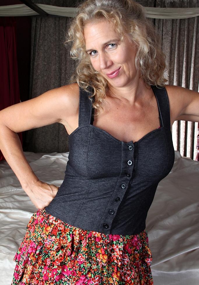In Sachen Sex Kontakt Erfurt wie auch Reife Frau Hamburg frag Resi.