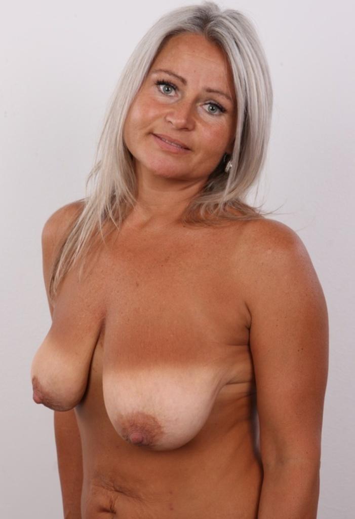 Sexpertin Inge bezüglich Sie sucht ihn Sex Hannover sowie Sex Treffen Kassel kontaktieren.