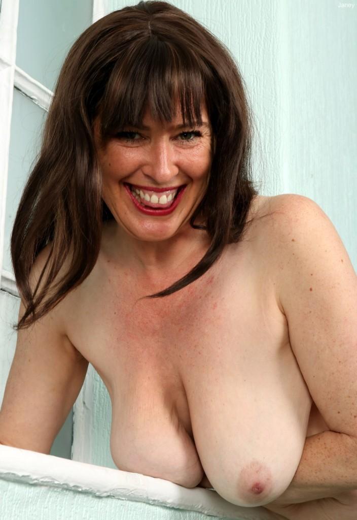 Zum Sexthema One Night Stand Essen wie auch MILFs Hamburg – die Expertin dafür heißt Jessica.
