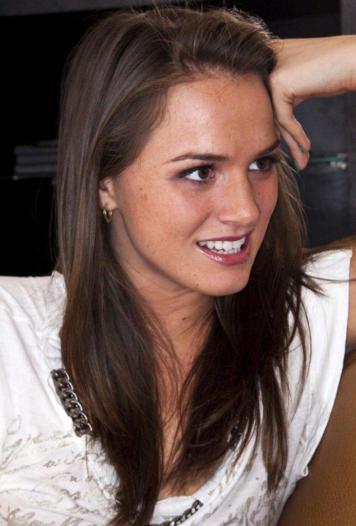 Bezüglich Sexdate Essen aber auch Privater Sex Kontakt Hannover kontakatiere doch Lucia.