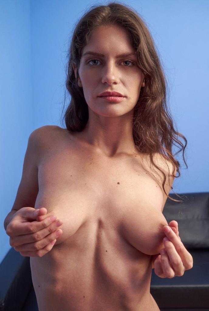 Sexy Susan in Bezug auf Sexanzeige Karlsruhe sowie Erotikdating Köln interviewen.
