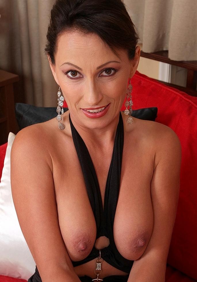 Bückstück Rita bezüglich Privatsex Zürich aber auch Hausfrauenfotze kontaktieren.