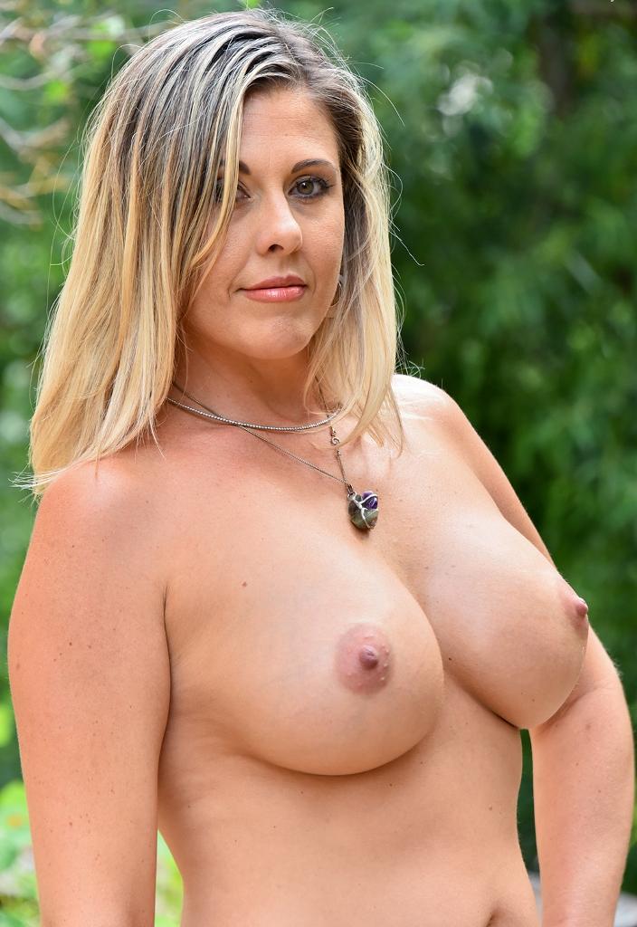 Sie sucht ihn Sex Nürnberg, Sex Dates Ruhrgebiet – Sabrina hat Bock dazu.