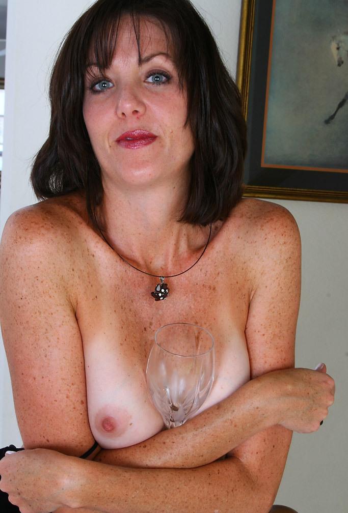 Hat jemand Interesse in Sachen Erotikbörse zu chatten?
