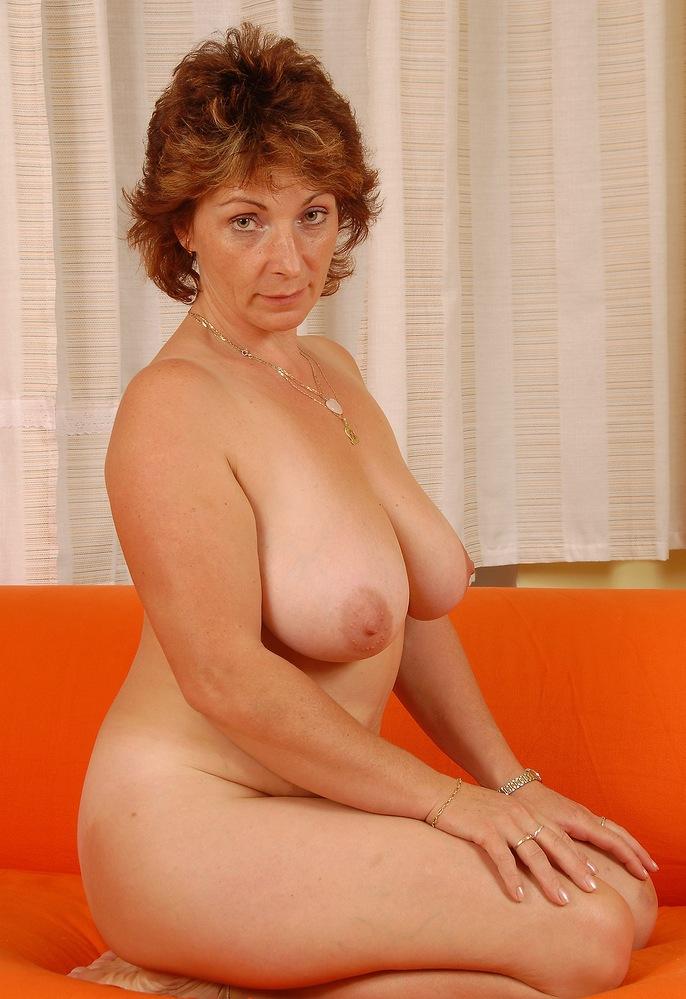 Sie sucht ihn Sex Nürnberg, Sie sucht ihn Rostock – Bea hat Lust darauf.