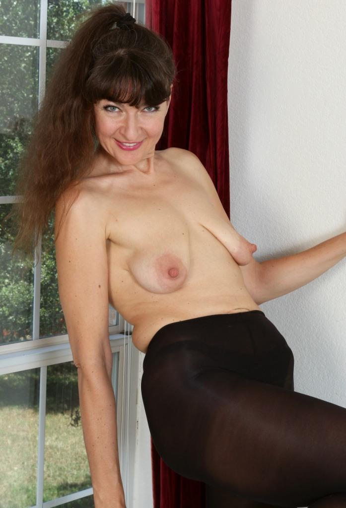 Granny Corinna bezüglich Sie sucht ihn Sex Wuppertal und auch Privatsexcam um Rat fragen.