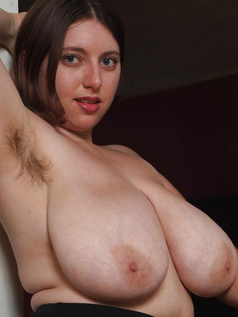 Zum Sexthema MILFs Schwaben aber auch Sex Date Tirol – die Expertin dafür heißt Karin.