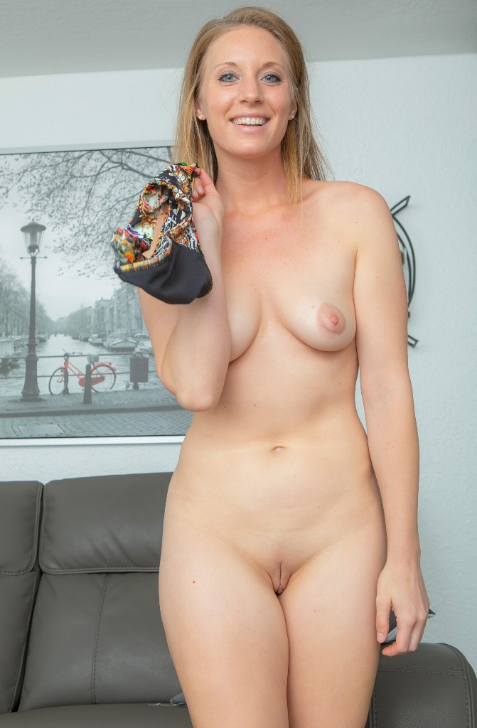 Zum Thema Reife Frauen Stuttgart bzw. Erotik Kontakte Wien frag doch einfach Angelina.