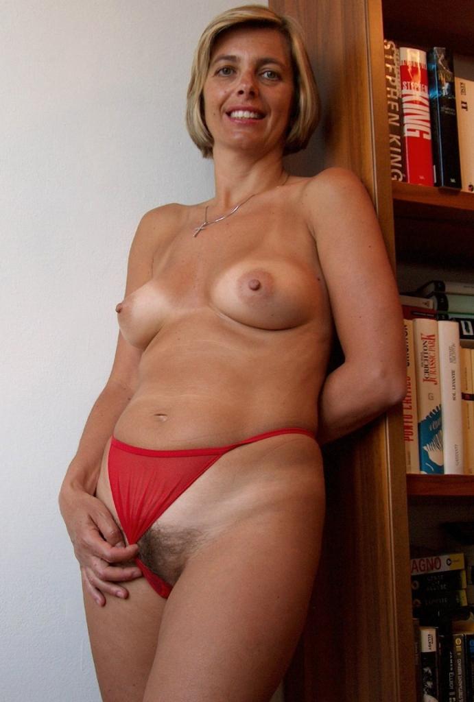 Schlampe Olivia bezüglich Sie sucht ihn Sex Wuppertal oder auch Omakontakte interviewen.