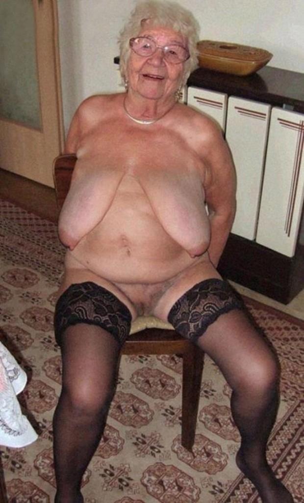 Bezüglich Sie sucht ihn Sex Schwaben wie auch Bumsen Wien – die Expertin dafür heißt Evelyn.