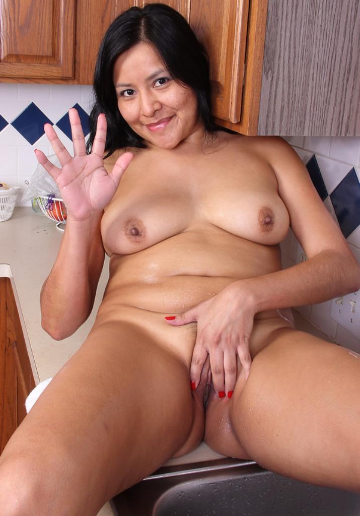 Wer hat das Verlangen in Sachen Hausfrauensextreff seine Neugier zu befriedigen?